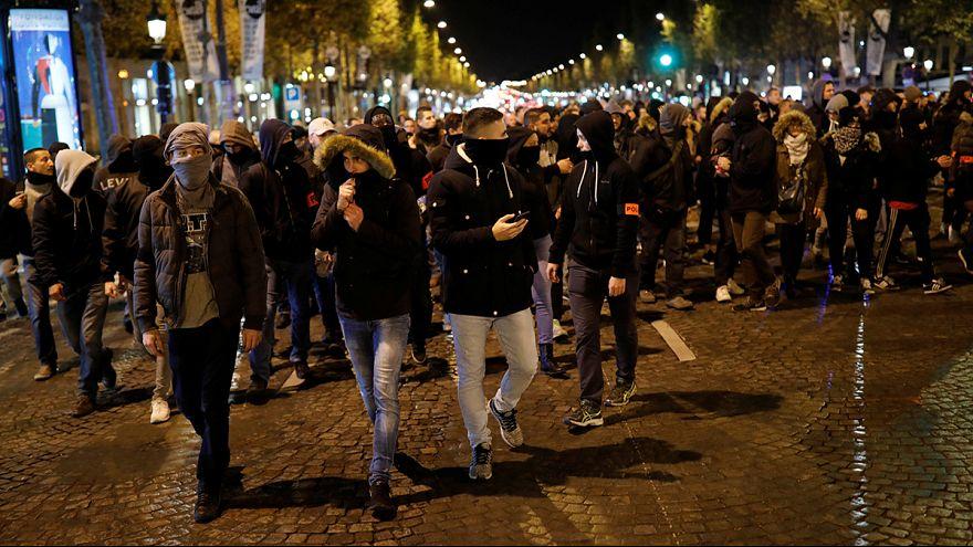 Az elnökig jutottak a tüntető rendőrök Franciaországban