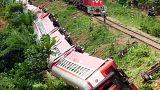 Camerun: treno sovraccarico deraglia, almeno 50 morti