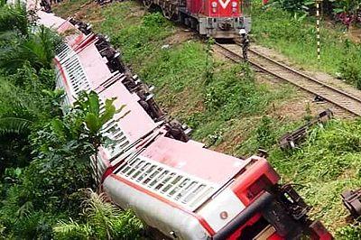 Más de 50 muertos y 300 heridos al descarrilar un tren en Camerún