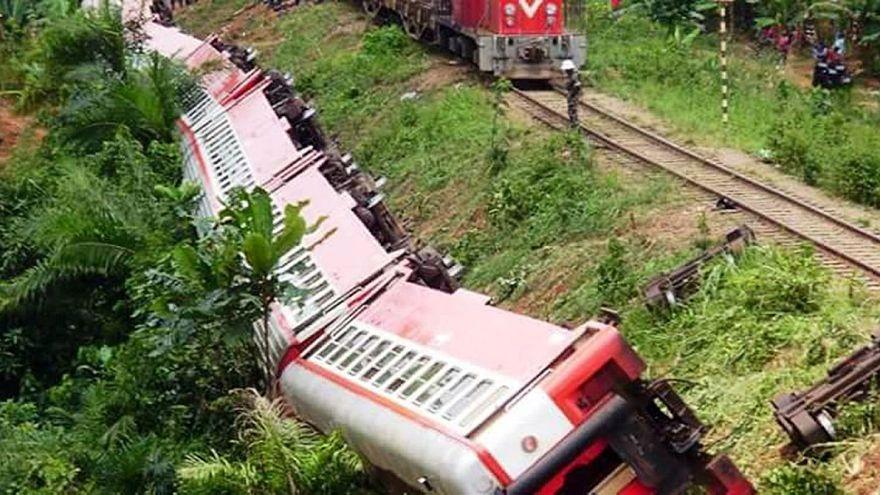 Szörnyű vonatszerencsétlenség Kamerunban
