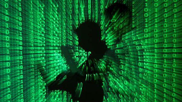Ciberataque atinge gigantes da internet