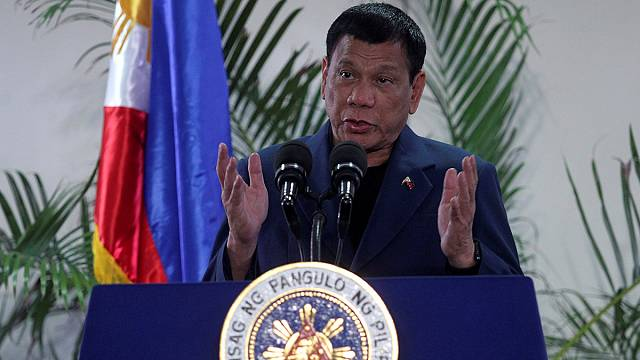 El presidente de Filipinas asegura que no tiene intención de cortar relaciones con Washington