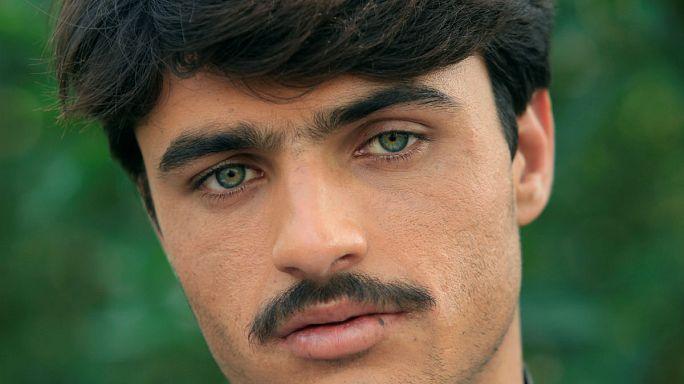 Bir anda parlayan Pakistanlı yakışıklı çaycı ünlü olmak istemiyor