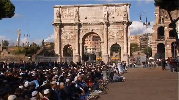 Muslims pray by Rome's Colosseum in protest over mosque shortage