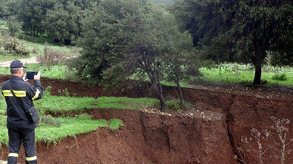 Ελλάδα: Μεγάλη καθίζηση του εδάφους έξω από το Καλπάκι Ιωαννίνων