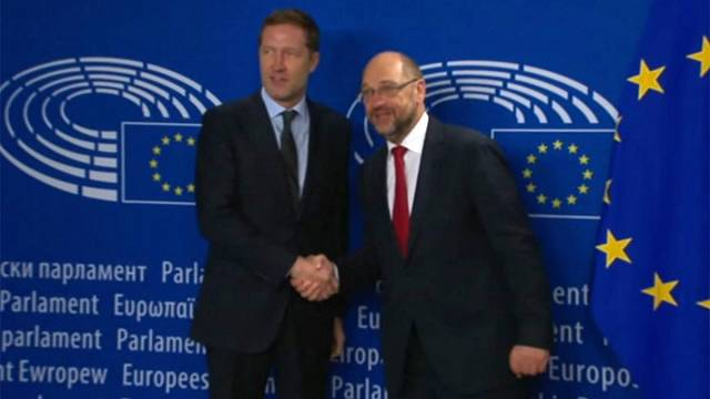 Presidente do Parlamento Europeu tenta salvar acordo comercial com o Canadá