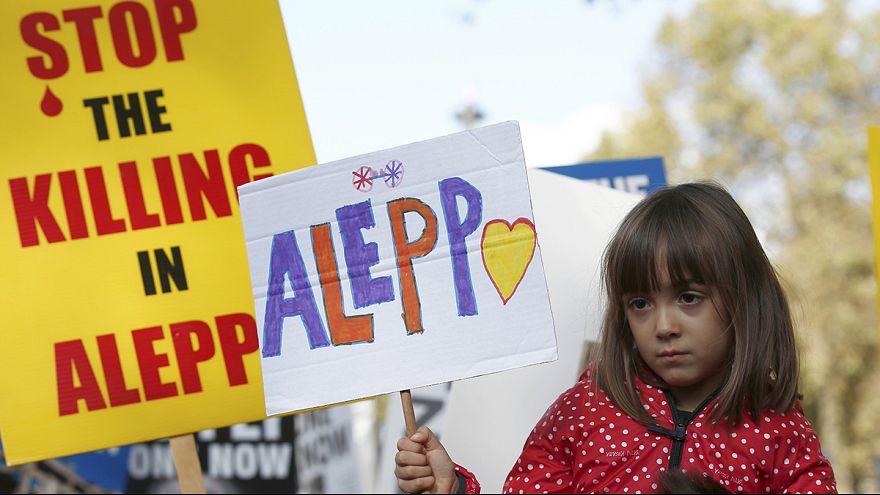 Centenares de personas protestan en Londres contra los bombardeos en Alepo