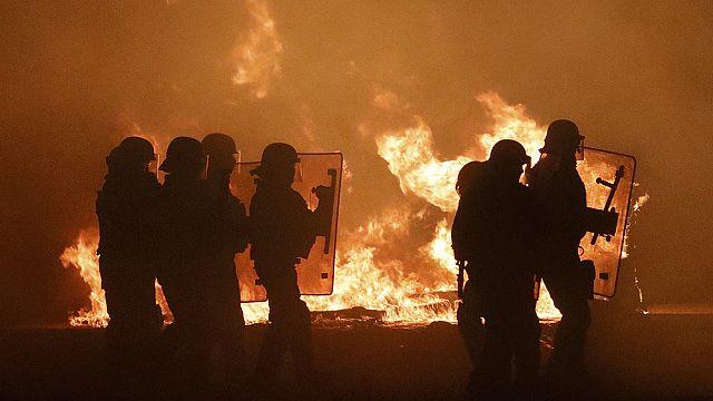 Fuego en la junga de Calais la víspera de su evacuación