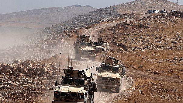 Soldados iraquianos e combatentes curdos avançam em direção Mosul, enquanto a Turquia adere à luta contra o Estado Islâmico