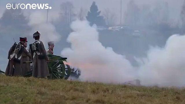 Russland: Hunderte spielen napoleonische Schlacht nach