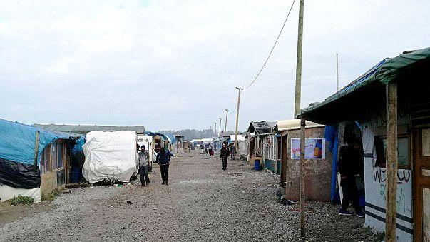 Mentik a táborlakó gyermekeket Calais-ból