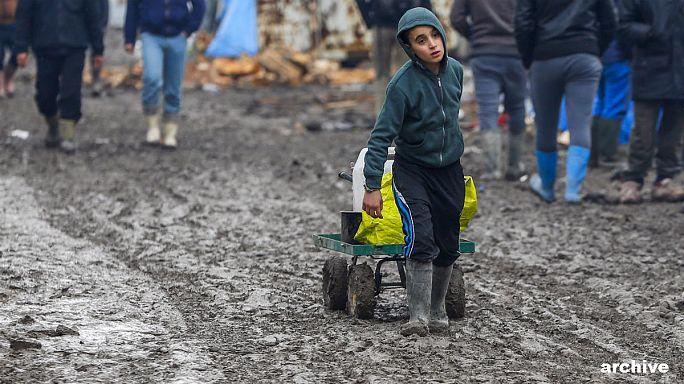 Botrányos körülmények a calais-i táborban