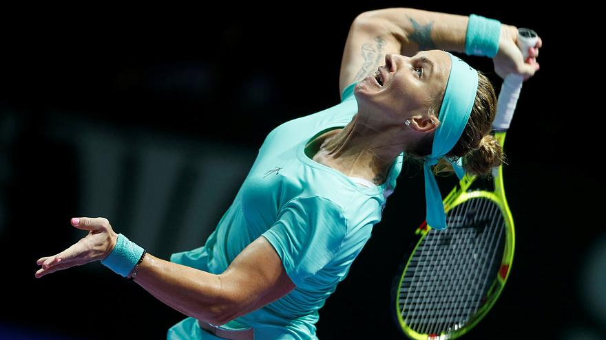 Agnieszka Radwańska inicia defesa do título no masters com derrota