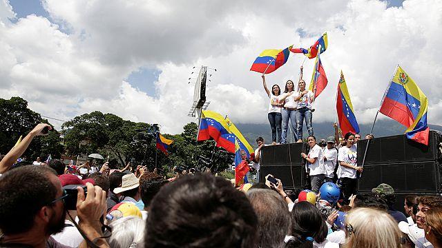 El gobierno de Maduro y la oposición negociarán con la mediación del Vaticano