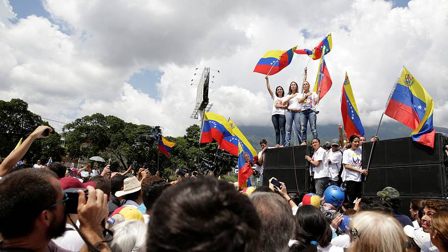 Venezuela's government and opposition to meet on Sunday