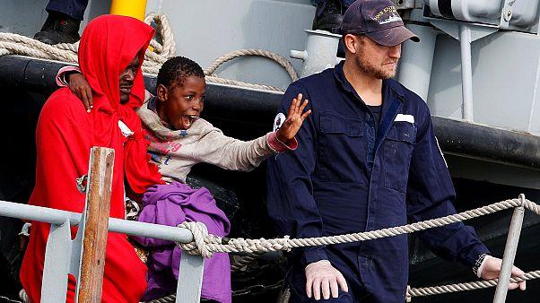 وصول حوالي 1100 مهاجر إلى إيطاليا بعد إنقاذهم في المتوسط
