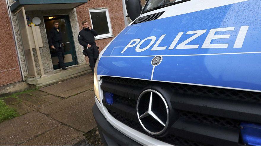 Alman polisi Suriyeli mültecilerin kaldığı evlerde arama yaptı