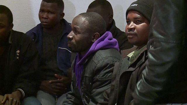 Calais'den çıkartılan sığınmacıların ilk grubu Lyon'a ulaştı