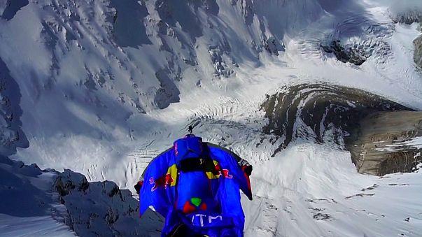 Valery Rozov sets new world Basejumping record