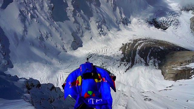 Un saut-record à 7 700 mètres dans l'Himalaya
