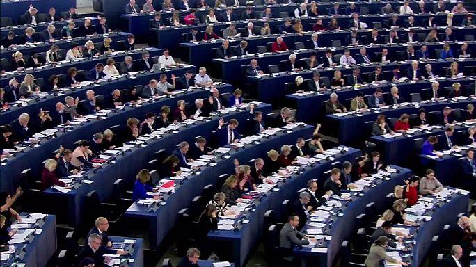 Dal Parlamento europeo si a più controlli sul rispetto dei diritti fondamentali.