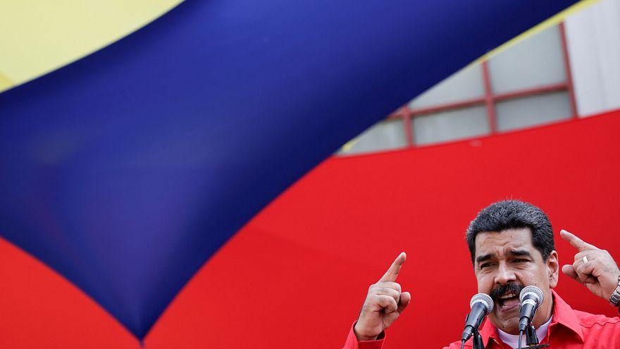 مادورو يتهم المعارضة بمحاولة القيام بانقلاب برلماني