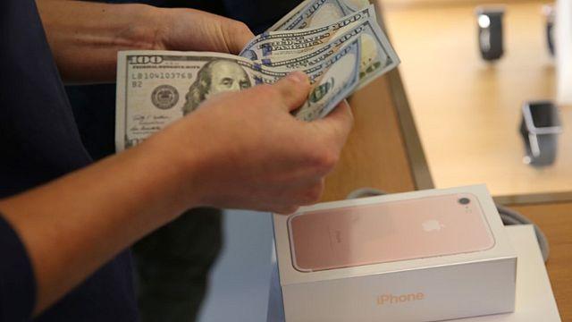 Talfahrt bei Apple: Umsatz und Gewinn brechen ein