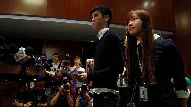 Caos en el Parlamento de Hong Kong por el veto impuesto a dos independentistas