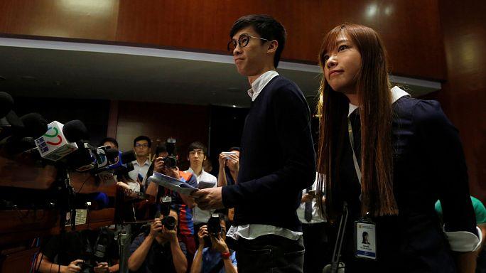 """Hong Kong: Deputados """"separatistas"""" agitam Parlamento"""