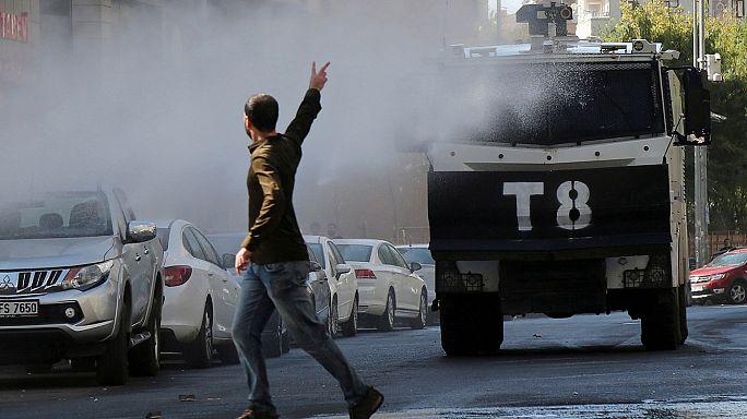 Турция: акции протеста из-за ареста руководителей города Диярбакыр