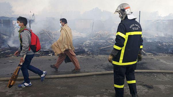 فرانسه: تمام مهاجران از اردوگاه جنگل در بندر کاله تخلیه شدند