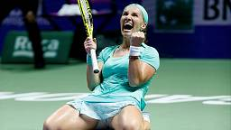 Kuznetsova reaches semis at WTA Finals in Singapore