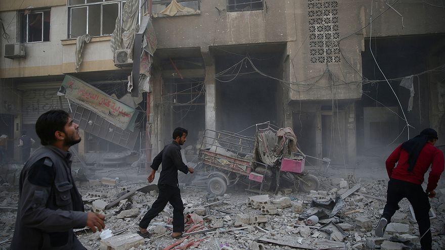 Cerca de 30 civiles mueren, la mayoría niños, en un bombardeo ruso contra una escuela en el norte de Siria