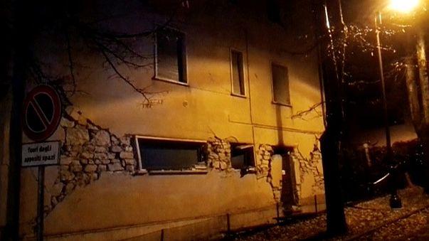 Двойное землетрясение в Италии: около десяти пострадавших
