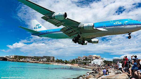 Plane scary: airport touch-downs that take your breath away