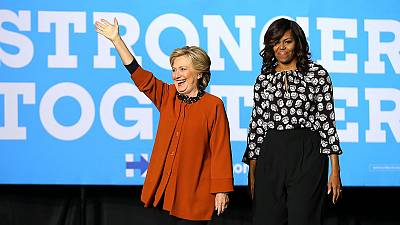Michelle Obama junto a Hillary Clinton na Carolina do Norte