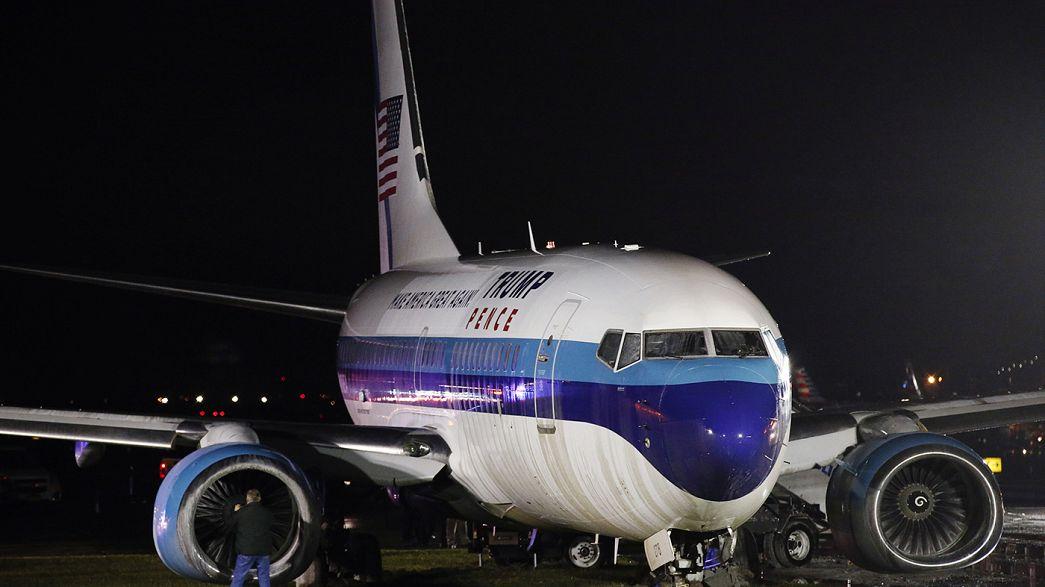 El avión de Pence se sale de la pista tras aterrizar en Nueva York