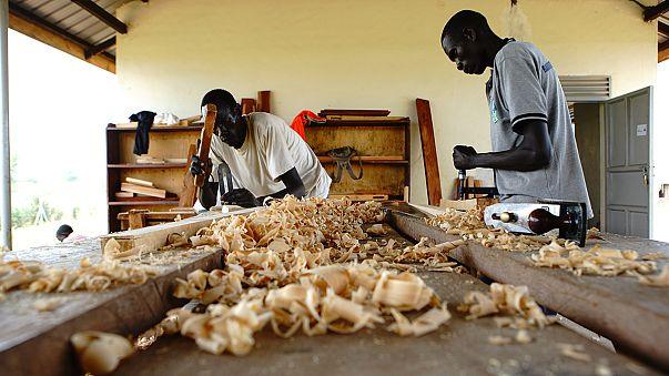 Földet és szakképzést kapnak a dél-szudáni menekültek Ugandában