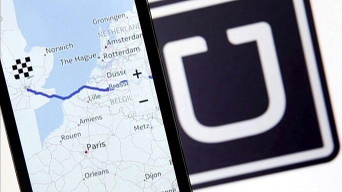 Giustizia britannica a Uber, paghi ferie e salario minimo ad autisti