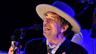 Bob Dylan nimmt Nobelpreis an