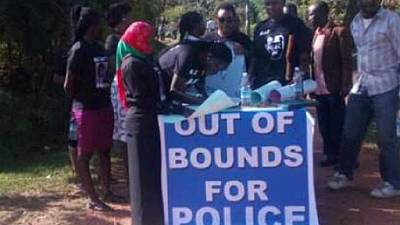 Uganda: Besigye returns, supporters take charge of security at his home