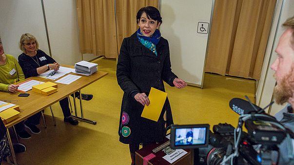 İzlanda'da Korsan Parti başa mı geçiyor