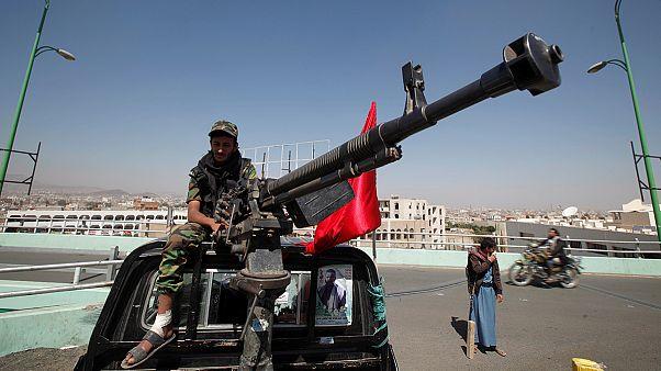 هادي يرفض مبادرة ولد الشيخ لحل الازمة في اليمن