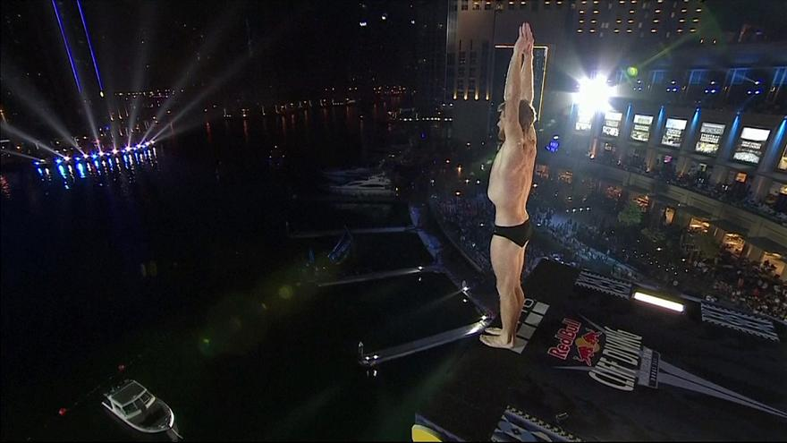 Rhiannan Iffland e Andy Jones vencem última prova do Red Bull Cliff Diving