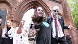Invasione di zombie a Berlino oer festeggiare Halloween