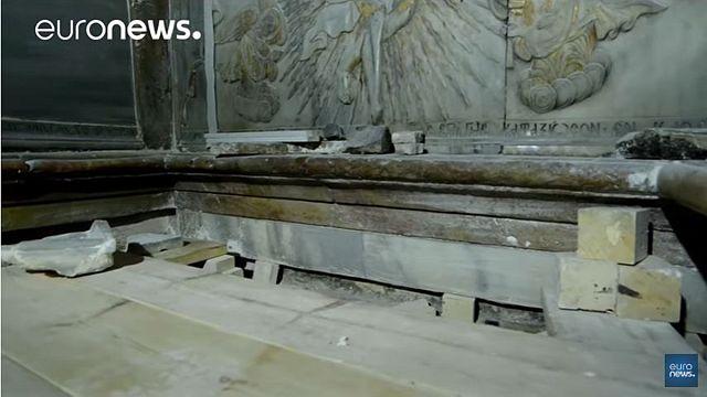 Több száz év után felnyitották Jézus sírját