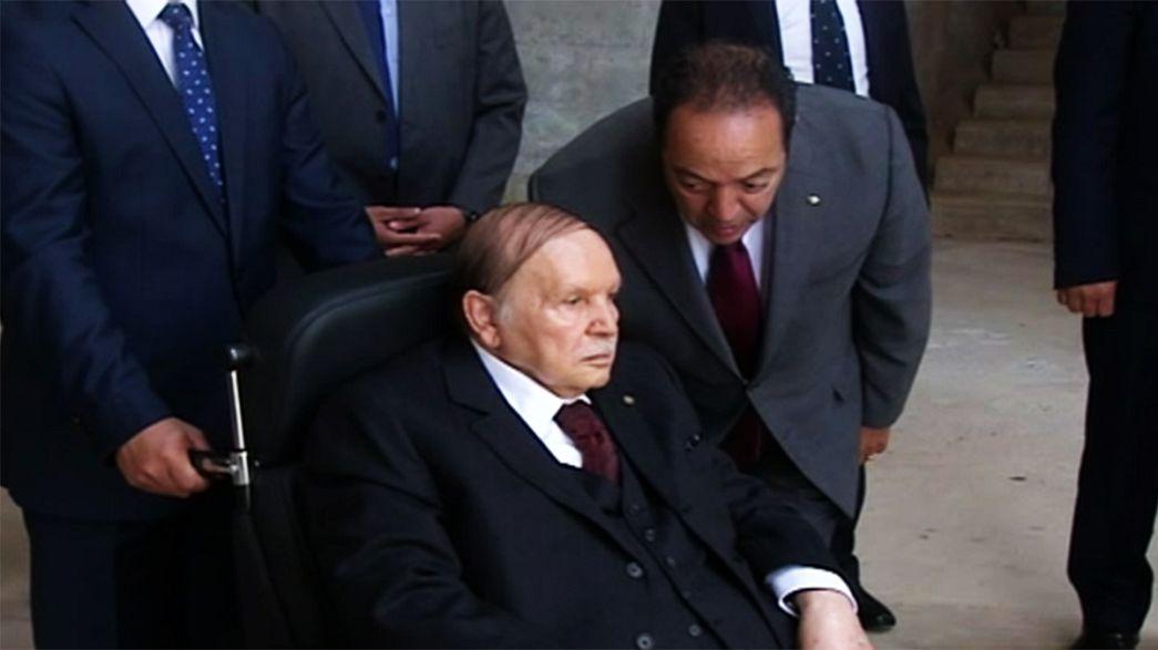 Президент Алжира впервые за долгое время появился на публике