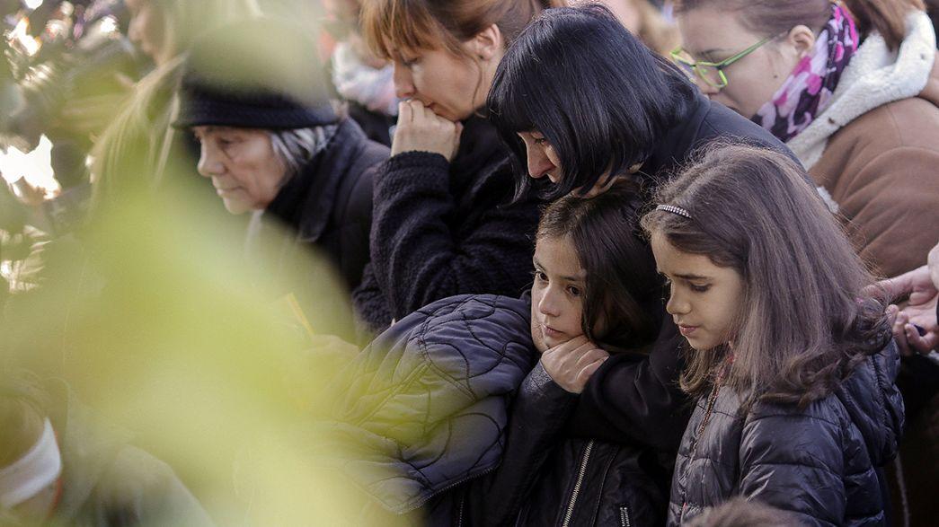 В Румынии почтили память жертв пожара в ночном клубе