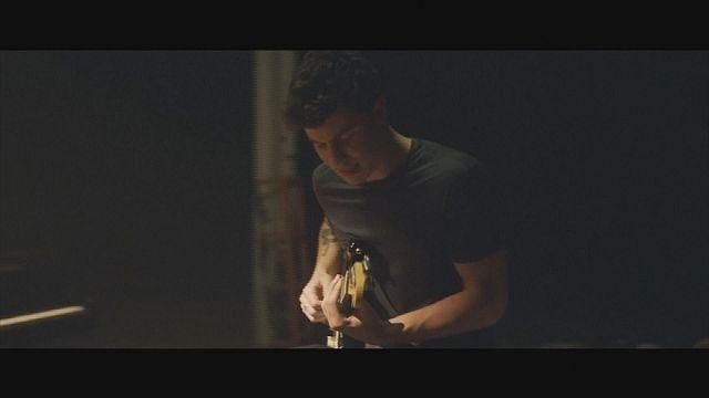 """""""Illuminate"""" von Shawn Mendes stürmt die Charts"""