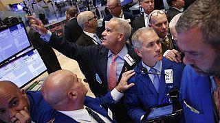 Bourses : l'affaire Clinton plombe la tendance